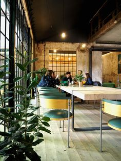 SPOTTED BY @soffamag   #soffa #soffamag #kavarnacohledajmeno #cafe #coffeehouse #Prague #bricks #industrial #urban #street #minimalism #minimalistic #design #interior #wood #handmade #DIY