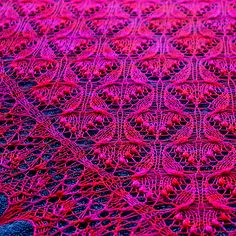 Estonian Lace -> lots 'o nupps Ravelry: ensemblemodern's Sleeping Beauty