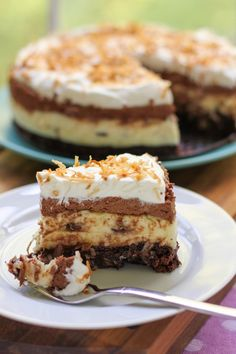 Brownie-Bottom Coconut Chocolate Cream Cake - http://www.diypinterest.com/brownie-bottom-coconut-chocolate-cream-cake/