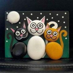 """Find and save images from the """"Kreativ - Rock / Stone / Pebble Art"""" collection by Gabis Welt :) (gabi_zitzen) on We Heart It, your everyday app to get lost in what you love. Cat Crafts, Diy And Crafts, Crafts For Kids, Arts And Crafts, Pebble Painting, Pebble Art, Stone Painting, Rock Painting, Diy Painting"""