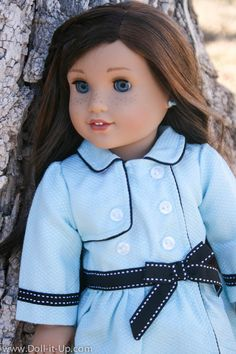 Grace and her Travel Coat from American Girl-4