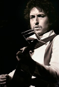 Bob Dylan, Chicago Stadium, 1974