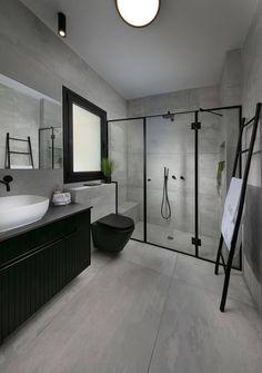 Bathroom Design Layout, Modern Bathroom Design, Latest Bathroom Designs, Bathroom Spa, Apartment Interior Design, Bathroom Renovations, House Rooms, Bathroom Inspiration, Custom Furniture