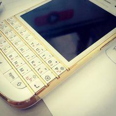 #inst10 #ReGram @peboy.banhbeo: #blackberry  #BlackBerryClubs #BlackBerryPhotos #BBer #BlackBerry #BlackBerryGirls #Lady #BlackBerryQ10 #Q10 #QWERTY #Keyboard #BlackBerry10 #BlackBerryCases #Skin
