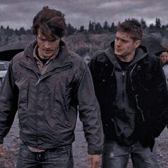 John Winchester, Winchester Brothers, Jeffrey Dean Morgan, Sam Dean, Jensen Ackles, Jared And Jensen, Supernatural Pictures, Supernatural Jensen, Jared Padalecki