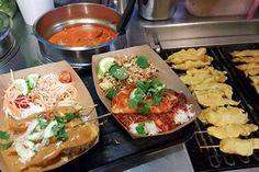 Street Food Paris, Resto Paris, My Little Paris, Restaurant, Chicken, Ethnic Recipes, Dreams, Other, Sidewalk