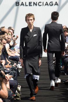 Balenciaga Spring 2017 Menswear Collection Photos - Vogue