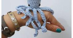 Ik haakte een ieniemini octopus......,   is het geen schatje?   Patroontje kun je hieronder vinden, haakse!   xxx     -----------...
