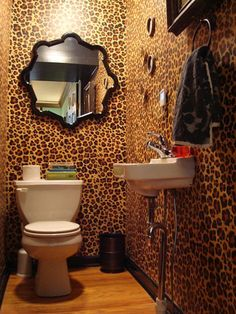 Leopard Print Wallpaper In Bathroom Http Www Wowwallpaperhanging Au