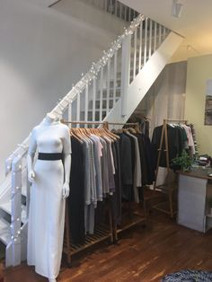 Anzüglich Colour Images, Closet, Outfits, Color, Home Decor, Tall Clothing, Colour, Armoire, Decoration Home