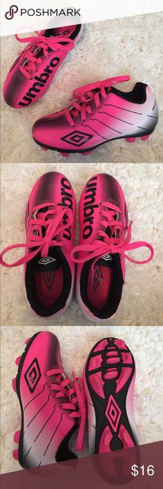 🎉HP🎉 Brand new girls soccer cleats Brand new! Bought and daughter never wanted to play soccer. Bundle to save 💵! Umbro Shoes