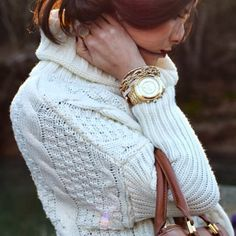 Chuncky Cable Knit Turtleneck Sweater