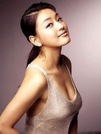 Park Jin-hee (The Woman Who Still Wants To Marry and Kimchi Family)--One of my favorite actressess.