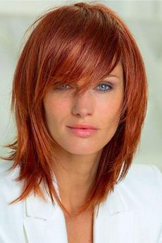 Copper hair styles Splendid Layered Hairstyles Ideas For Medium Hair To Try Right Now - Most of the girls these days keep medium length hair as these are easy to manage. No matter what type of hair do you have, this length is suitable for. Easy Updos For Medium Hair, Medium Hair Styles, Hair Medium, Copper Blonde, Copper Hair, Holiday Makeup Looks, Wedding Makeup Looks, Henna Designs, Oblong Face Hairstyles