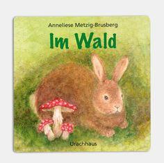 Kleines Pappbilderbuch in Leporello-Bindung mit wunderschönen, weichen und pädagogisch wertvollen Tier-Illustrationen. Die kleinen Pappbilderbücher möchten die ersten Erfahrungen, die das kleine Kind macht, aufgreifen und widerspiegeln. Es zeigt Tiere aus Wald und Flur, die gemeinsam betrachtet und kennengelernt werden können. Zugleich erschließen sich so in der Betrachtung und Benennung die Namen der Tiere für kleine Kinder ab etwa zwei Jahren.    Da es vielleicht die ersten Bücher sind…