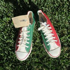 Vintage Chuck Taylor Converse All Star. Multicolored featuring red, white and green. Vintage size 7 Mens size (according to internet convertions): UK, 10 US, 43 Eur. Converse All Star, Converse Chuck Taylor, Chuck Taylors, My Etsy Shop, Stars, Sneakers, Check, Green, Shopping