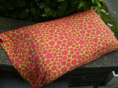everyday beautiful: Easy Pillowcase Tutorial with Patty Young Knit Fabrics