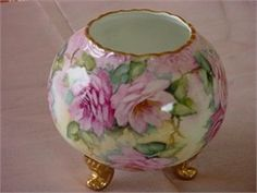 I have many of these rose bowls that I need to paint :)