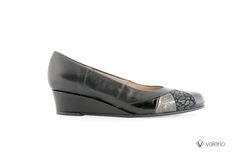001-147 Lexus negro, charol negro, animal print negro, grieta negra con peltre. Taco 3 1/2 chino. #valerio #calzado #zapatos #moda #Clásico #invierno #2014 #shoes #outfit #woman #fashion #winter #fall #autumn
