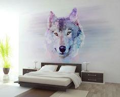 Entrei na minha casa, ela é linda, meu quarto tem um lobo desenhado na parede:
