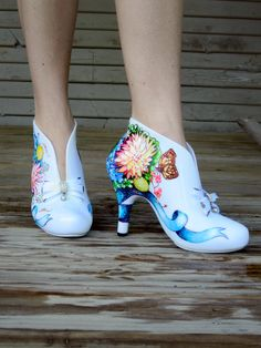 Wedding Shoes painted with Butterfly Bouquets by LoveMirandaMarie. www.lovemirandamarie.etsy.com