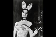 Gloria Steinem as a Playboy Bunny.  Gloria steinem Pictures, Gloria steinem Image, Famous People Photo Gallery