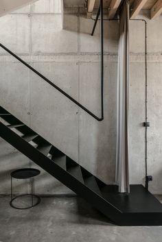 Image 5 of 33 from gallery of Mlynica Loft Apartment / Juraj Hubinský + Kuklica x Smerek Architekti. Photograph by Lousy Auber Staircase Handrail, Stair Railing, Interior Stairs, Apartment Interior, Architecture Details, Interior Architecture, Metal Furniture, Black Decor, Stairways