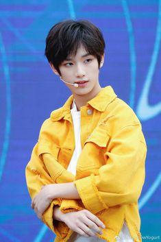 Cute Asian Guys, Thai Drama, My Youth, Chinese Boy, Asian Men, Handsome Boys, Cute Boys, Laos, Korean
