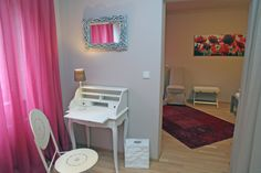 das Vanity, Mirror, Furniture, Home Decor, Homes, Dressing Tables, Powder Room, Decoration Home, Room Decor