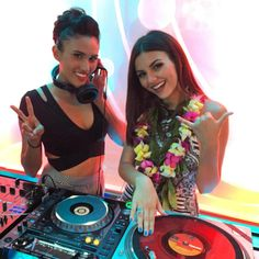 Victoria Justice, ... ... ... ... ... ... ...   Follow -               76.1k likes -  2h ...  @victoriajustice ... ... ... ... ... ... Loving the music, weather and amazing view @SKYWaikiki  #Mahalo