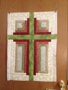 Cross Log Cabin- no pattern but love the design and easy to figure out Cross Patterns, Quilt Block Patterns, Pattern Blocks, Quilt Blocks, Small Quilts, Mini Quilts, Quilting Projects, Quilting Designs, Quilting Ideas