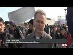 Flüchtlinge in Griechenland stehen vor der mazedonischen Grenze ...