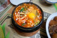 [homemade] Korean spicy silken tofu stew (soon dubu jjigae) Tofu Recipes, Asian Recipes, Vegetarian Recipes, Snack Recipes, Ethnic Recipes, Asian Foods, Snacks, Vegetarian Cabbage, Cooking 101