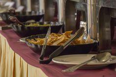 Buffet en el Restaurante Laguna del Chairel del Hotel Posada de Tampico.