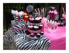 Chá da Noiva: Decor: Zebra com Rosa