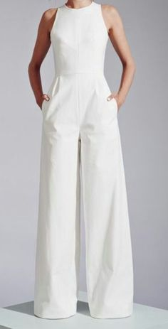Elegant Strapless White Wide Leg Jumpsuit With Pockets Mode Chic, Mode Style, Off Shoulder Jumpsuit, Wedding Jumpsuit, Boho Stil, Bohemian, Creation Couture, Jumpsuit Outfit, Jumpsuits For Women