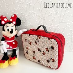 patron valise nouméa (2) Looks Halloween, Couture, Lunch Box, Sleepover Party, Suitcase, Boss, Bento Box, Haute Couture