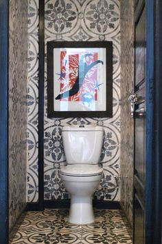 A finally, a little gem of a toilet room from Design Sponge, with enough pattern to keep you occupied while you're occupied. Perfect Wallpaper, Of Wallpaper, Decoration Inspiration, Bathroom Inspiration, Decor Ideas, Wc Decoration, Toilet Room, Downstairs Loo, Spanish Tile