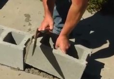 How to Build a Cinder Block Wall How to Make a Cinder Block Wall - Fill Blocks Cinder Block Fire Pit, Cinder Block Walls, Cinder Blocks, Concrete Blocks, Concrete Patio, Garden Retaining Wall, Retaining Walls, Make A Fire Pit, Build A Wall