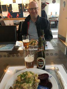 Aftensmaden stod på skipperlabskovs hos Odense Marineforening ifm havnekulturfestivalen🥘😋⚓️ sammen med ham den søde😘