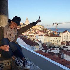 Cranes in the #Lisbon sky with @wonderwander_online. // Travel Well #TravelFly!