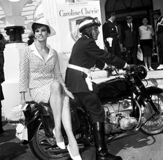 Raquel Welch at the Cannes Film Festival, 1966❤️
