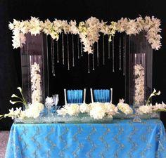 Sweetheart Table by Bisli  Floral Designer / Wedding Planner