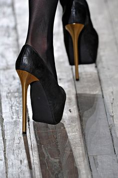 theyskens' theory fall 2012 rtw #shoes #pumps #heels #black #gold