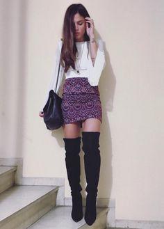 Μαίρη Συνατσάκη: Με τη φούστα trend της σεζόν - JoyTV