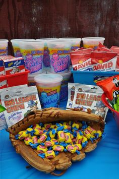 10 Gender Reveal Party Food Ideas that are Mouth-Watering Gender Softball Birthday Parties, Baseball First Birthday, Sports Birthday, First Birthday Parties, First Birthdays, Birthday Ideas, 10th Birthday, Sports Party, Softball Wedding