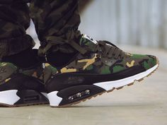 Nike ID Air Max 90 (by Shoe Trees by Sole Trees make customizing sneakers so much easier Nike Air Max, Nike Air Shoes, Running Shoes Nike, Air Max Sneakers, Sneakers Mode, Sneakers Fashion, Zapatillas Nike Jordan, Fly Shoes, Fresh Shoes
