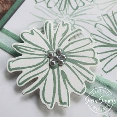 You're Absolutely Amazing Simple in-color cards - KISS Kreative Skeleton Flower, Color Contour, How To Introduce Yourself, How To Make, Some Cards, Basic Grey, Flower Images, Off Colour, Color Card