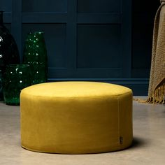 RETRO VIBES Made with premium suedette fabric and clean lines, this stylish pouffe radiates retro appeal with a city-chic twist. SEVENTIES CHIC The touchable textured fabric and bold colour gives this pouffe its fashion-savvy edge. Mustard Living Rooms, Chunky Knit Throw, Living Room Arrangements, Lounge Decor, Style Retro, Wood Tray, Ottomans, Bass, Colors