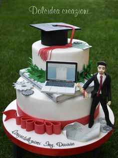 Engineer graduation cake by Dolcidea creazioni Engineering Cake, Graduation Cake Designs, Architecture Cake, Computer Cake, Doctor Cake, Graduation Party Planning, Raspberry Smoothie, Party Decoration, Cakes For Boys